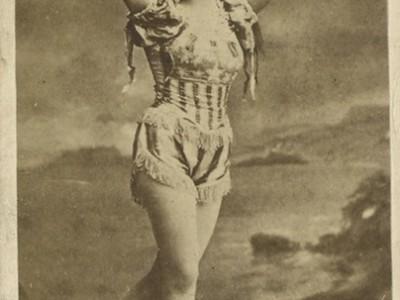Leona Dare, a Mega-muse